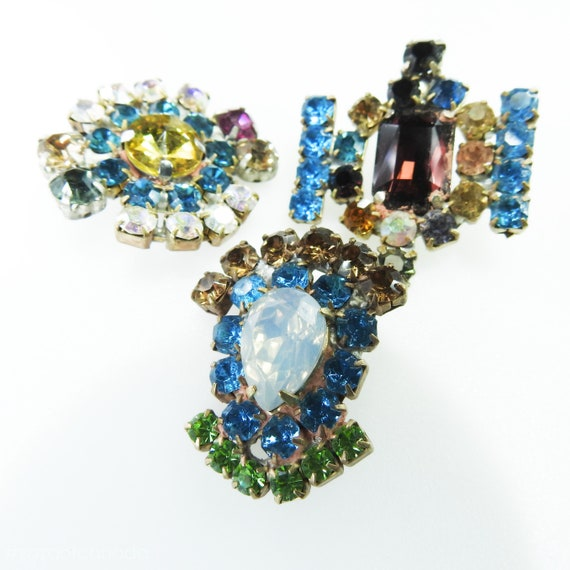 Blue decorative glass jeweled buttons