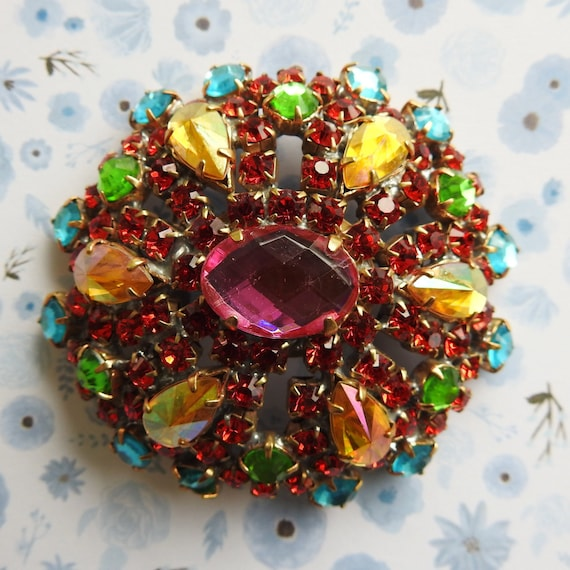 Red and pink glass brooch vintage