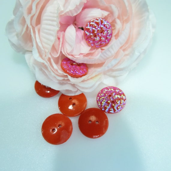 Floral textured vintage buttons