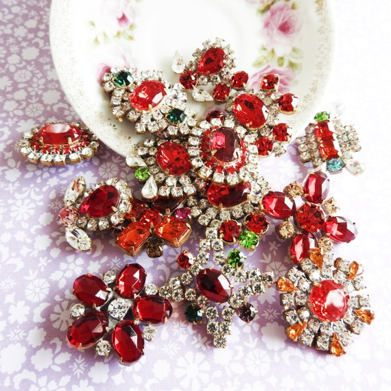 Red crystal glass buttons