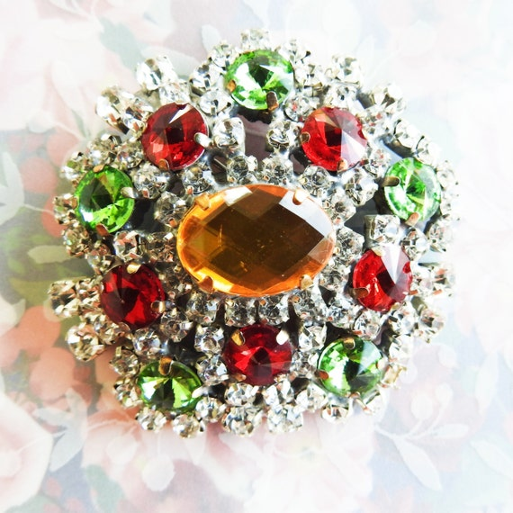 Red and green glass brooch vintage, Rhinestone costume jewelry, grandma gift, pins and brooches collectors for her, birthday ideas