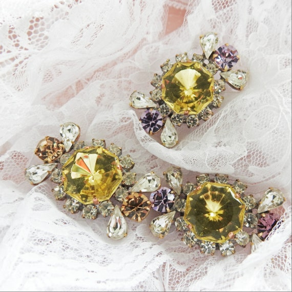 Rhinestone buttons for jewellery making