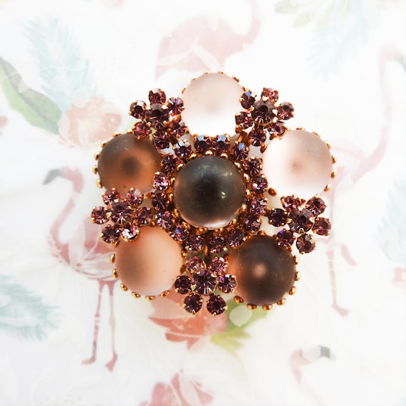 Small flower pin brooch