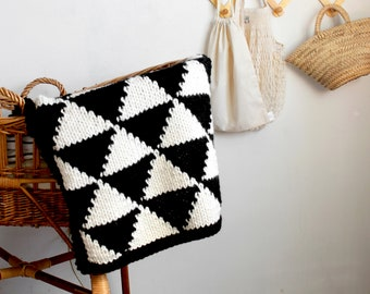 Knitting Pattern The Triangle Baby Blanket