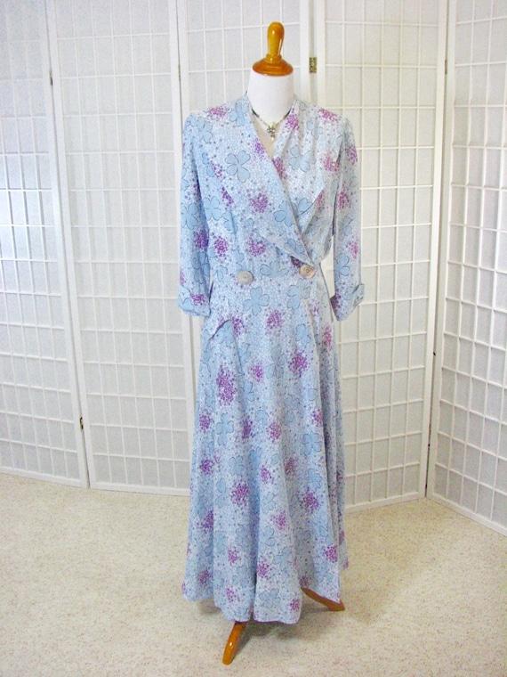 1940/50s  Saybury Blue & Magenta Floral Rayon Robe