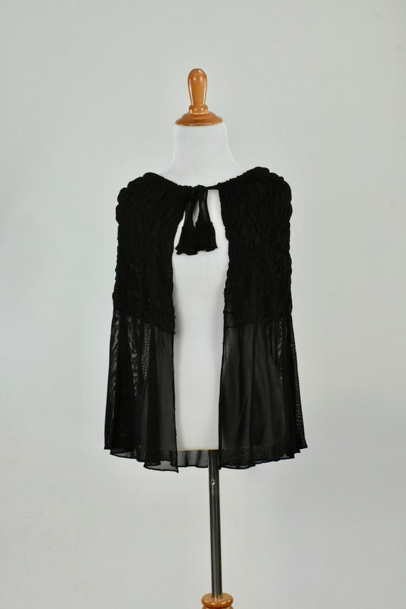1920/30s BLACK SILK KNIT  Cape...........size Smal