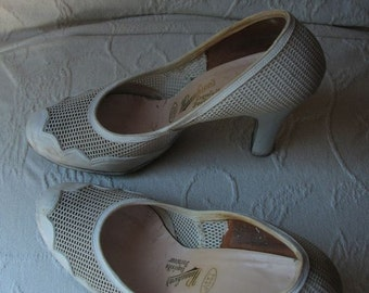 30s Summer Mesh/Leather Heels  sz  5 1/2 to 6