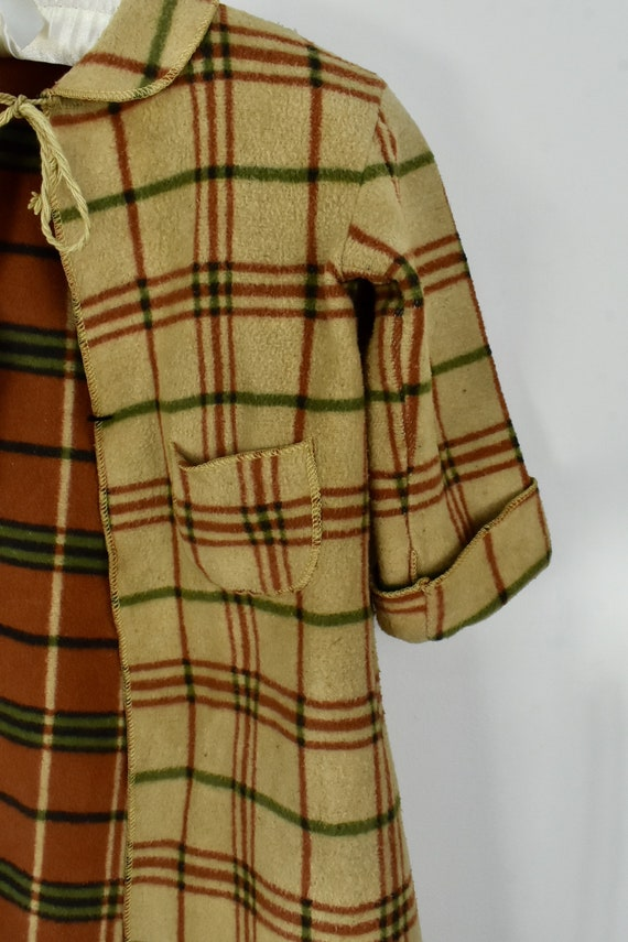 1930/40s CHILD'S  Plaid Blanket Robe - image 3