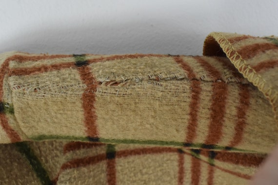 1930/40s CHILD'S  Plaid Blanket Robe - image 6
