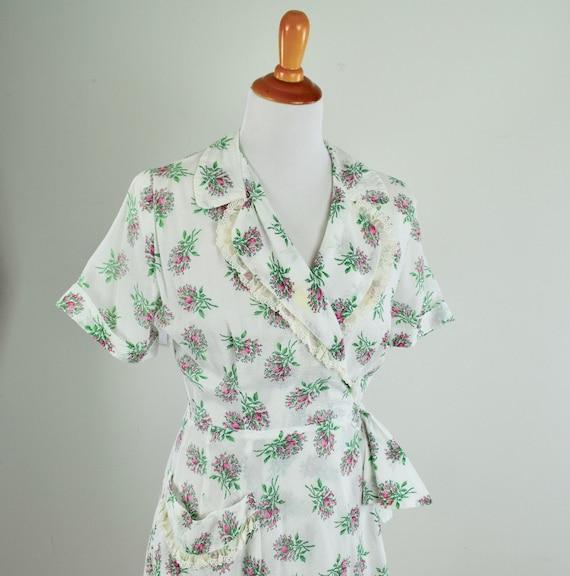 1950s Saybury Seersucker Cotton Lounging Gown / Ro