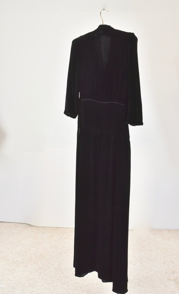1940s Black Silk Velvet Gown with SEQUIN CORSAGE.… - image 5