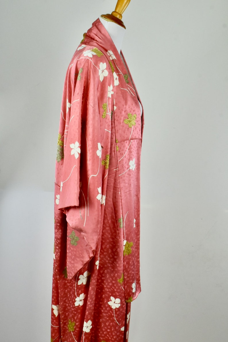 Mint Condition.......suitable sizes Medium to Large 1970s Japanese CORAL  Silk Kimono in Floral Design ......UNWORN.......