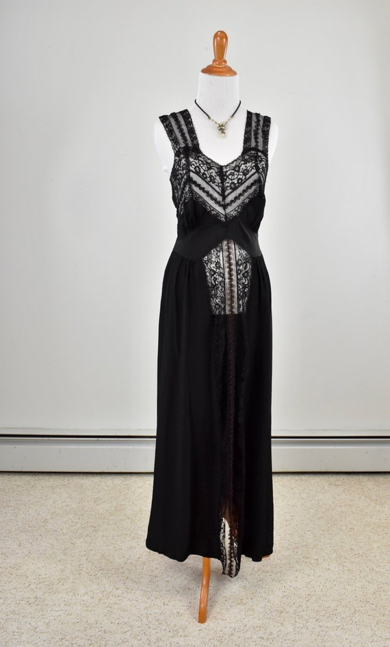 1940/50s  Black Rayon &  Lace Nightgown....LOVELY