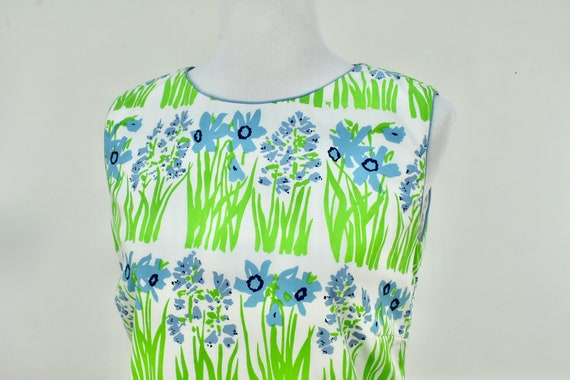 1960/70s VESTED GENTRESS  Floral Summer Dress with