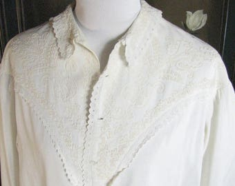 Victorian White Robe with Soutache and Lace Trim......   size Large to X-Large