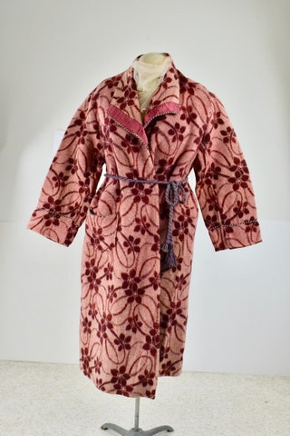 1930s EDMOND Deco  Blanket Robe ......Women's size LARGE to X-LARGE