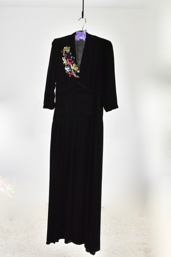 1940s Black Silk Velvet Gown with SEQUIN CORSAGE.… - image 2