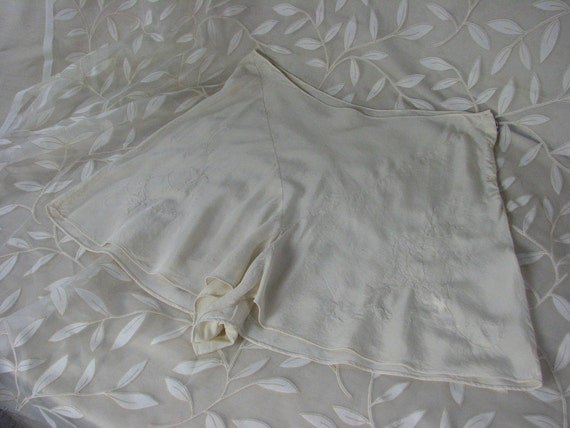 1920/30s Ivory Silk Tap Shorts / French Seams / Ha