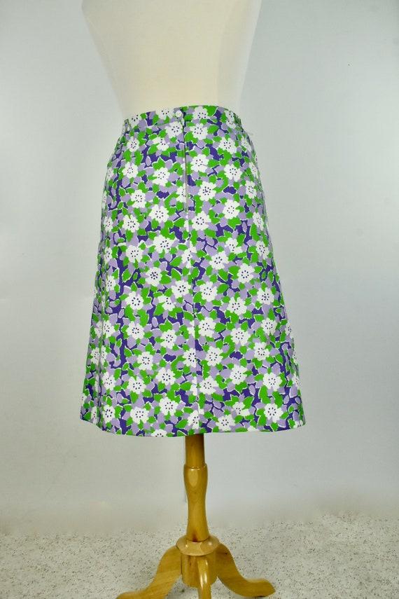 1960/70s VESTED GENTRESS  Summer Floral Skirt in P