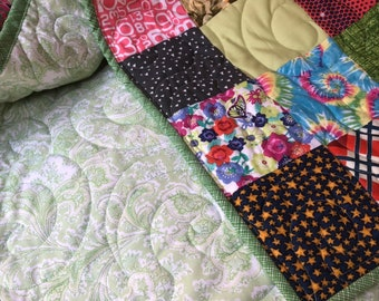 Queen Size Quilt- Traditional Quilt -Cotton Quilt - Patchwork Quilt for a Queen/King Bed