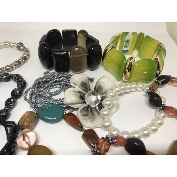 Stretchable Beaded Bracelet Costume Jewelry Mix L… - image 8