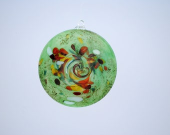 e00-65 Flat Iridescent Disc Ornament Green