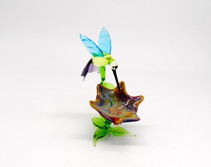 Hummingbird Simone on Flower