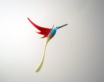 e36-226 Aventurine Hummingbird Rainbow body Red wings