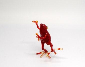 e30-23 Dancing Frog - Ladadi