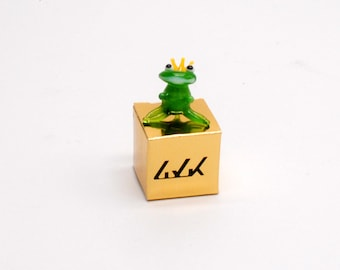 e30-00 Miniature Frog Prince
