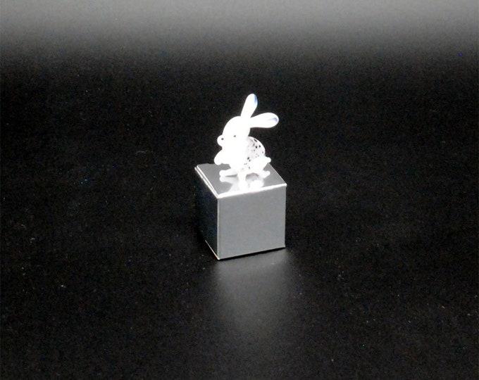e30-00 Miniature Bunny