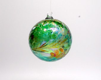 e00-62 Medium Iridescent Ornament Emerald