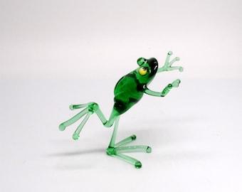 e30-23 Dancing Frogs - Push Back
