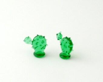 e30-00 Miniature Cactus