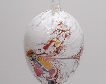 e00-69 Small Iridescent White Egg Suncatcher