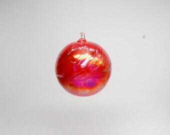 e00-62 Handblown Iridescent Ornament