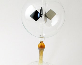 Tabletop Radiometer with Gold stem