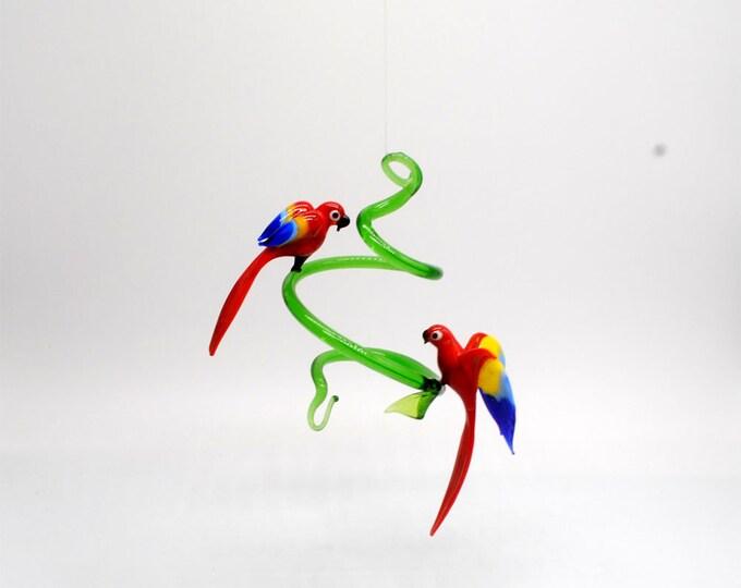 e36-806 Parrots on Spiral