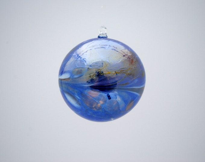 e00-62 Handblown Iridescent Ornament Dark Blue