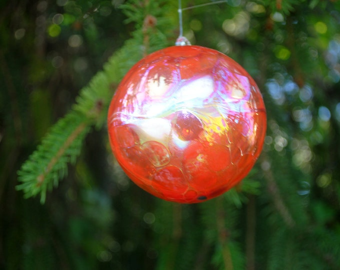 e00-63 Large Iridescent Ornament Cherry Red