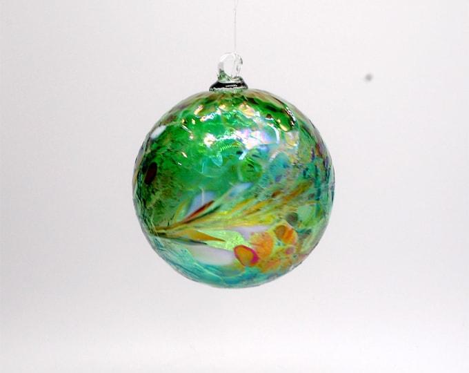 e00-62 Handblown Iridescent Ornament Emerald