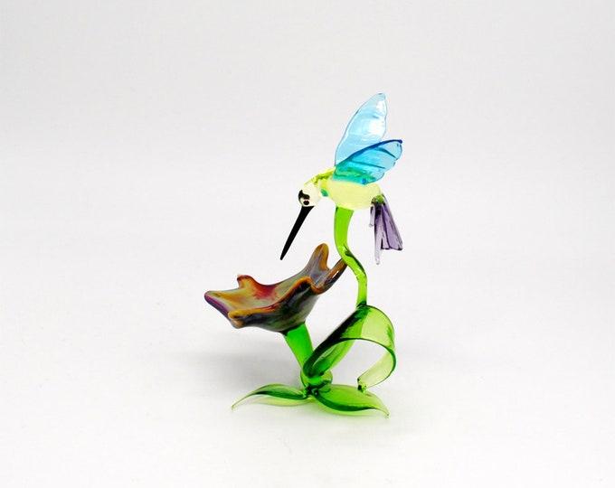 33-257 Hummingbird Simone on Flower