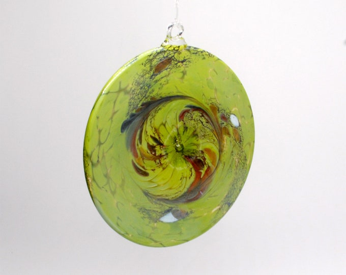 e00-65 Flat Iridescent Disc Ornament Lime Green