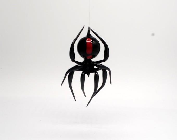 e30-21 Hanging Black Widow with Murrini as hour glass