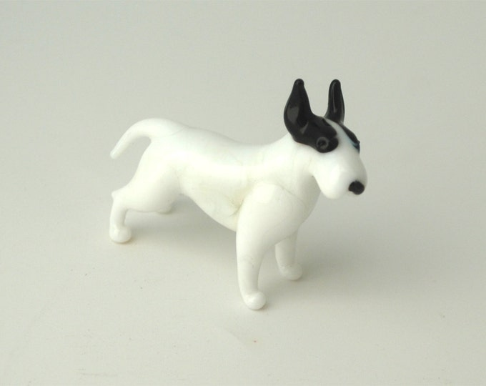 e31-10 Bull Terrier
