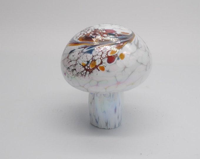 00-60 Iridescent Mushroom (White)