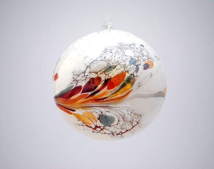 e00-62 Handblown Iridescent Ornament White