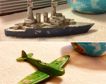Lot of 2 Vintage Cast Metal Toys 70s Dyna Flites Spitfire Airplane/Battleship Models - FREE USA SHIPPING!