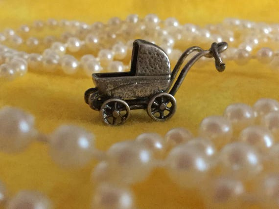 10 X Silver Tone Baby Carriage//Pram Charms//Pendants