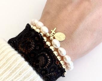 Pearl bracelet, freshwater pearls bracelet, beaded bracelet, cross charm, Virgin Mary charm